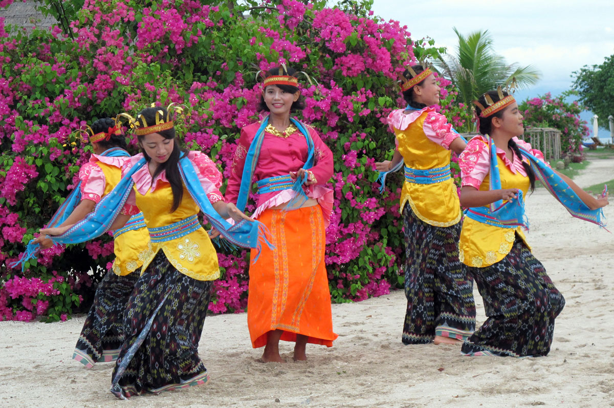 IDN_Komodo-Resort-Cultural-Performance-©-Komodo-Resort-047.jpg