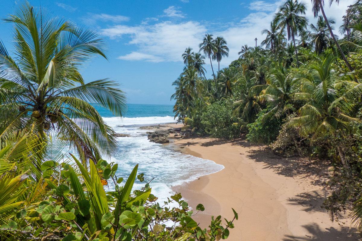 CRI_Costa-Rica_Coastline-©-Adobe-Stock.jpg
