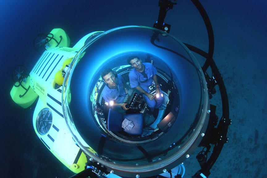 CRI_MV-Argo-Deepsee-Submersible-©-Undersea-Hunter-Group-187D2C.jpg