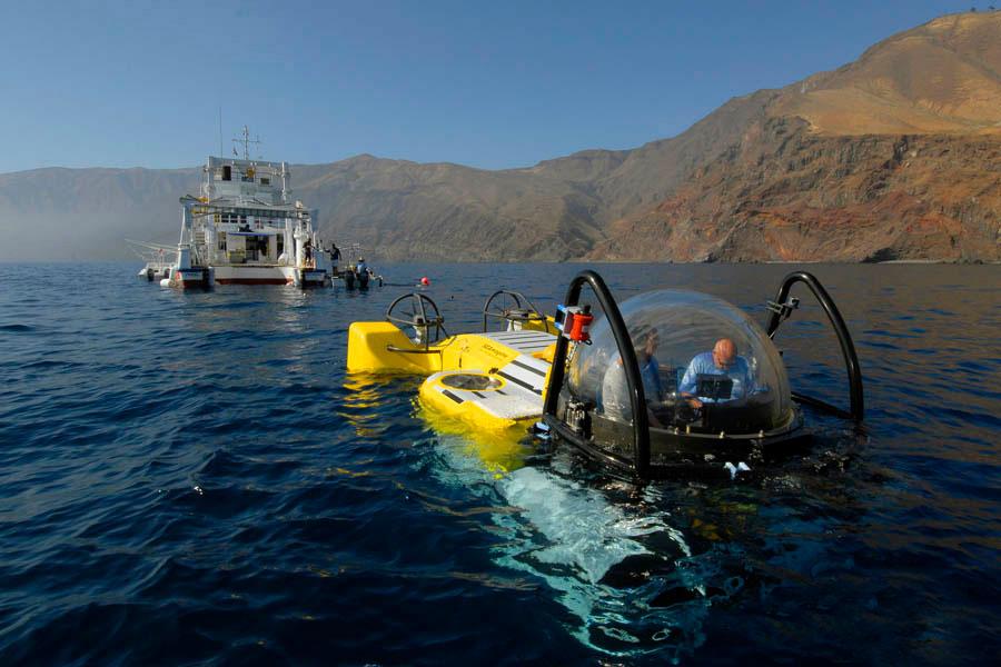 CRI_MV-Argo-DeepSee-Submersible-©-Avi-Klapfer-2002edit.jpg