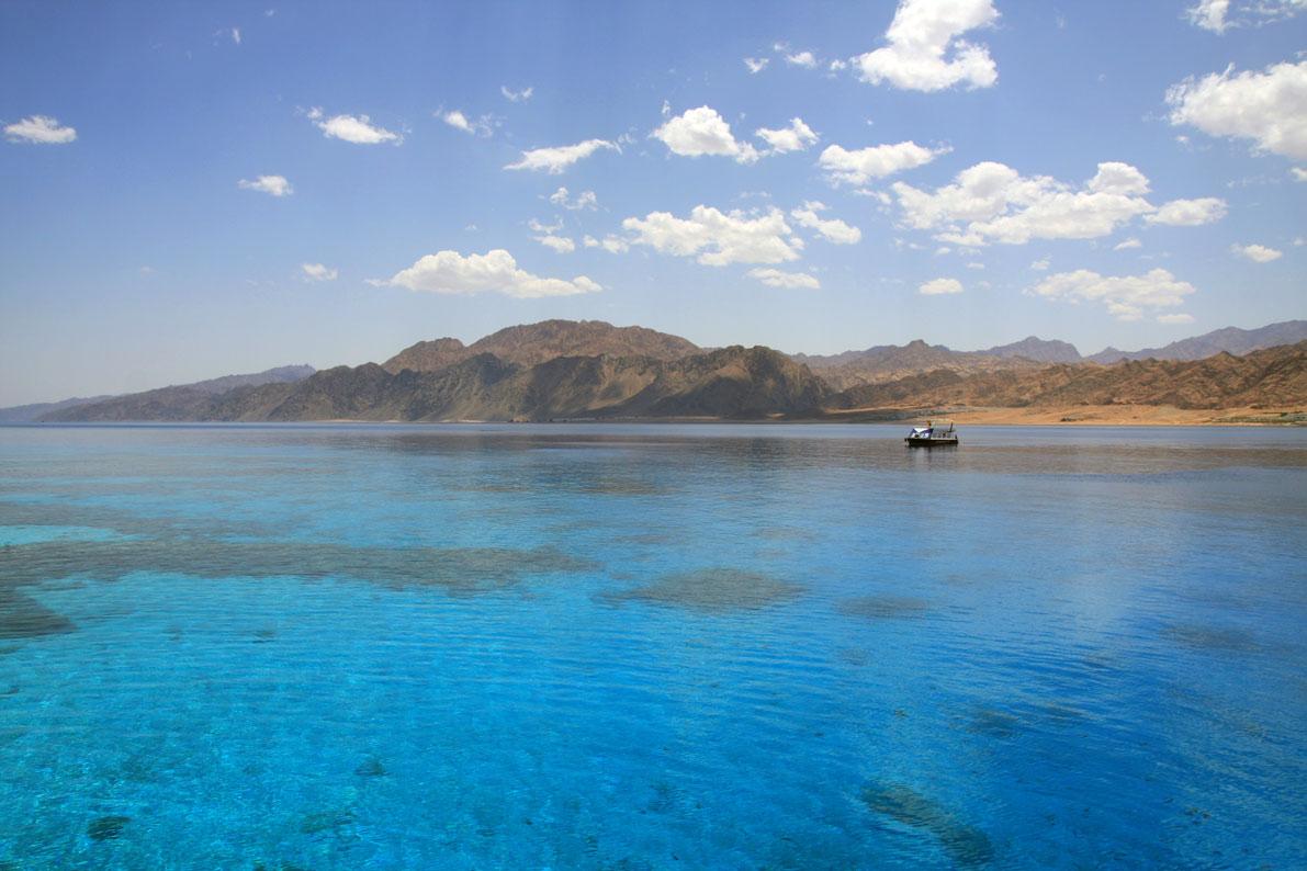 EGY_Dahab-Lagoon-©-AdobeStock_15879456.jpg