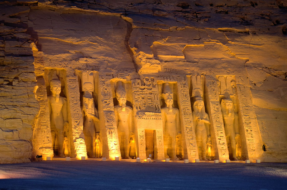 EGY_Egypt-Abu-Simbel-Nefatari-Temple-©-Egypt-Tourism-Association.jpg