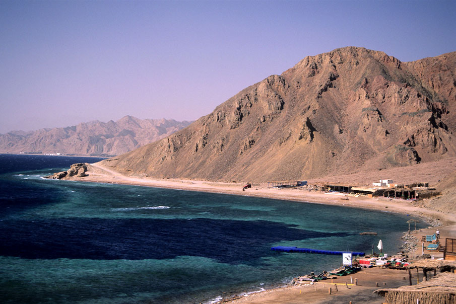 EGY_Egypt-Sinai-Camp-Coastline-©-Egyptian-Tourism-Association.jpg
