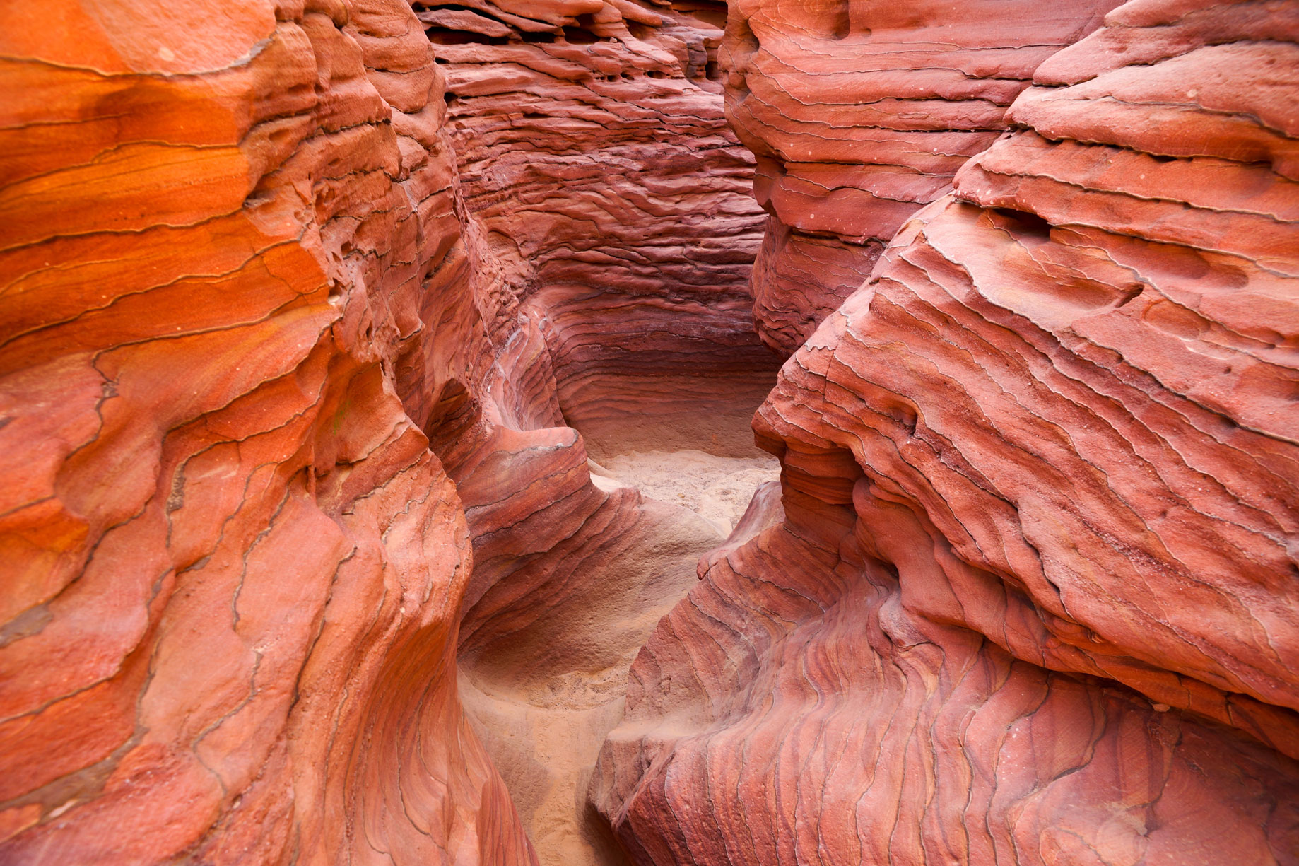 EGY_Sinai-Coloured-Canyons-©-Adobe-Stock_167790236.jpg