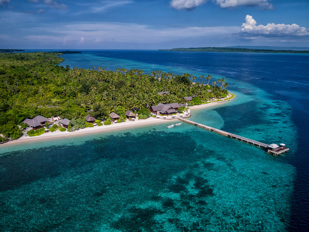 IDN_Wakatobi-Resort-Resort-and-Reef-Aerial-©-Wakatobi-Resort-WS001.jpg