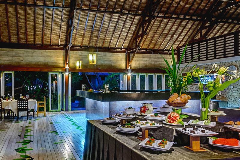 IDN_Wakatobi-Resort-Restaurant-Dinner-©-Wakatobi-Resort-26.jpg