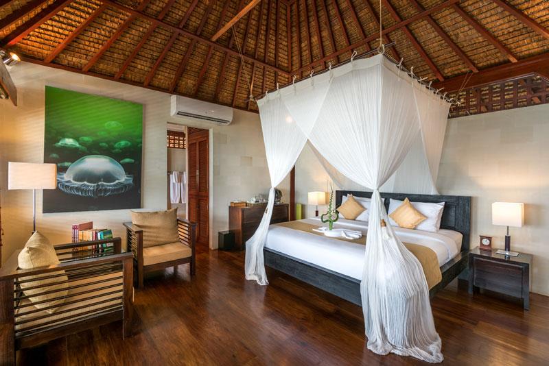 IDN_Wakatobi-Resort-Villa-Room-©-Wakatobi-Resort-12.jpg