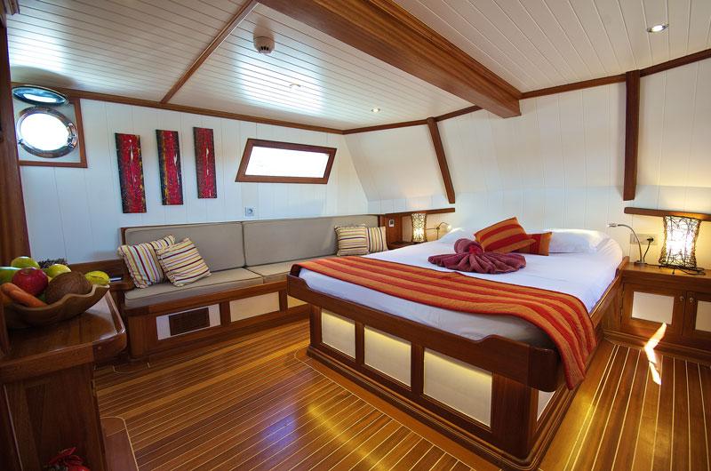 SYC_MV-Galatea-Cabin-7-Master-Suite-©-Galatea-1.jpg