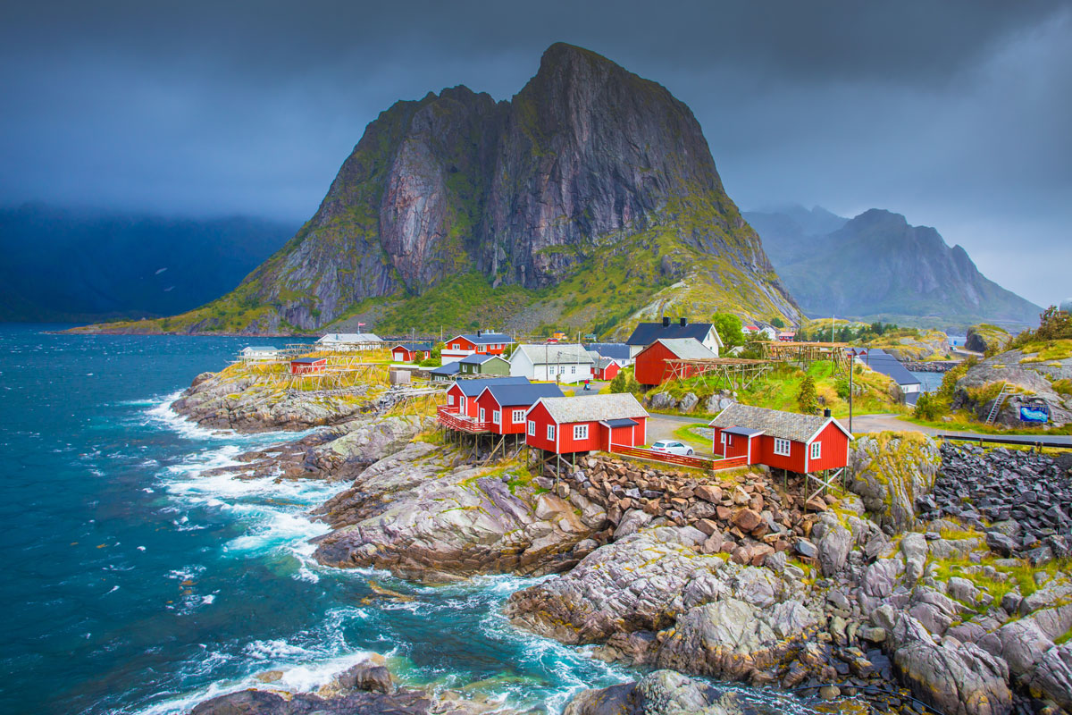 NOR_Lofoten-Islands-©-Adobe-Stock 194478710.jpg