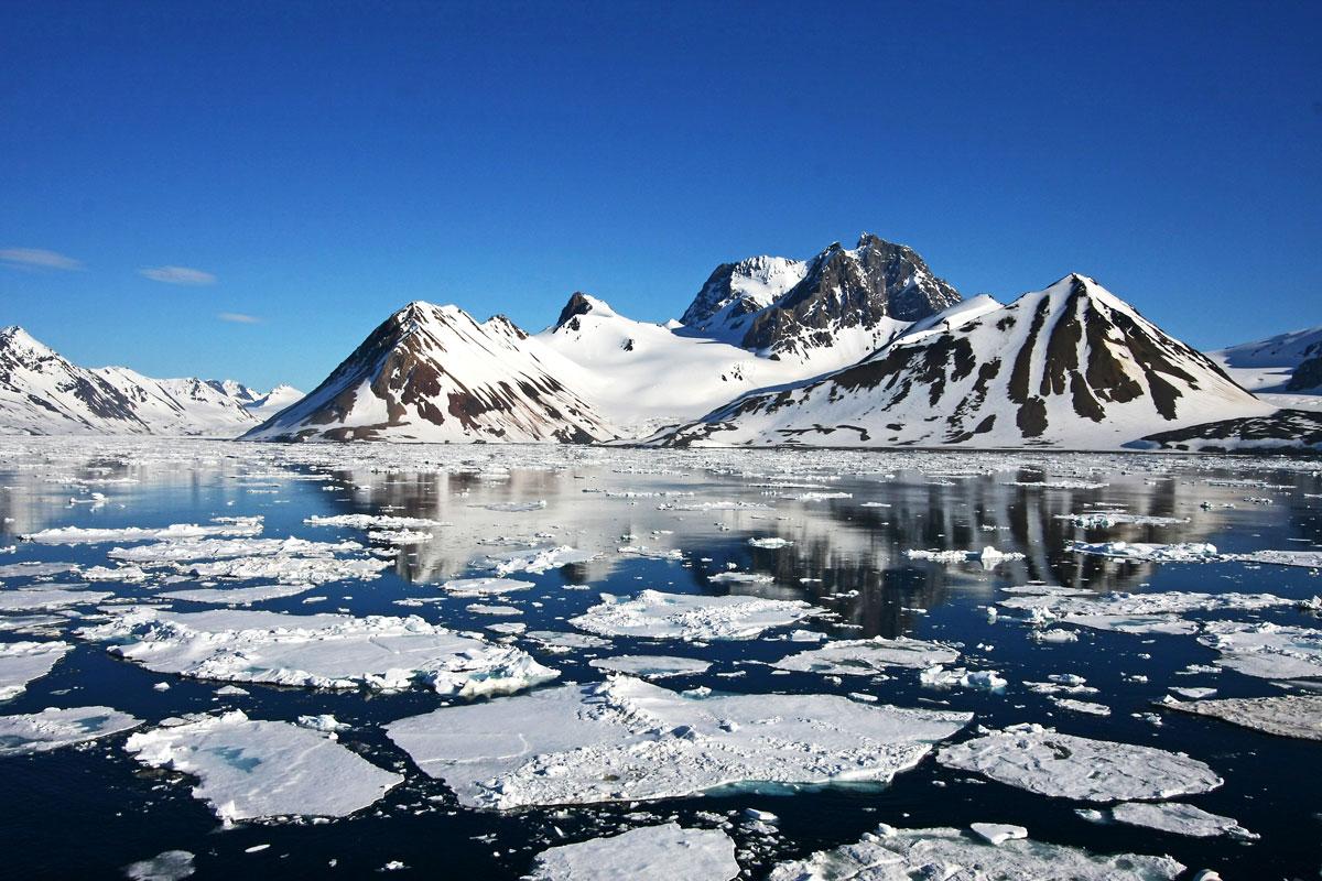 NOR_Svalbard-©-AdobeStock_11456326.jpg