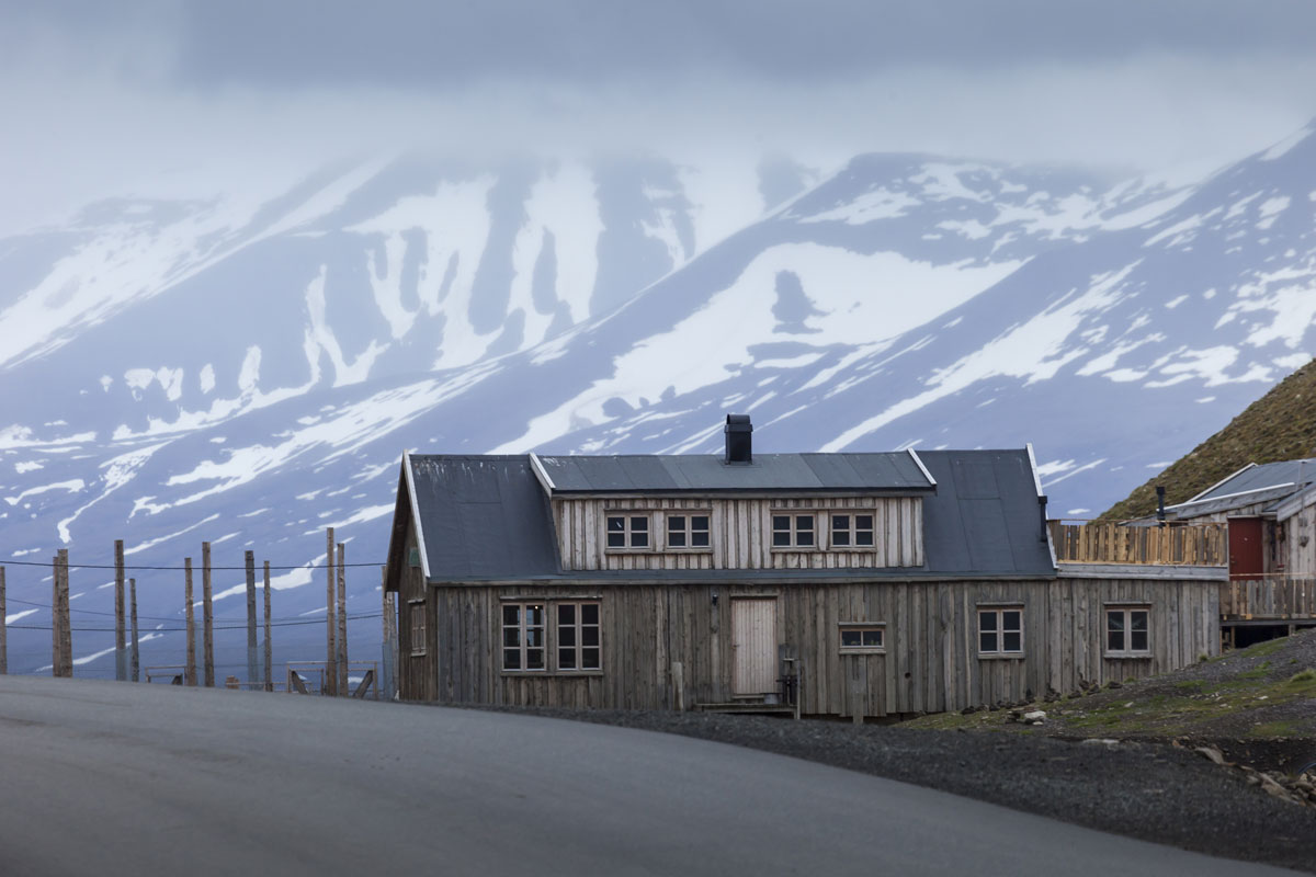 NOR_Svalbard-Longyearbyen-©-AdobeStock_102084929.jpg