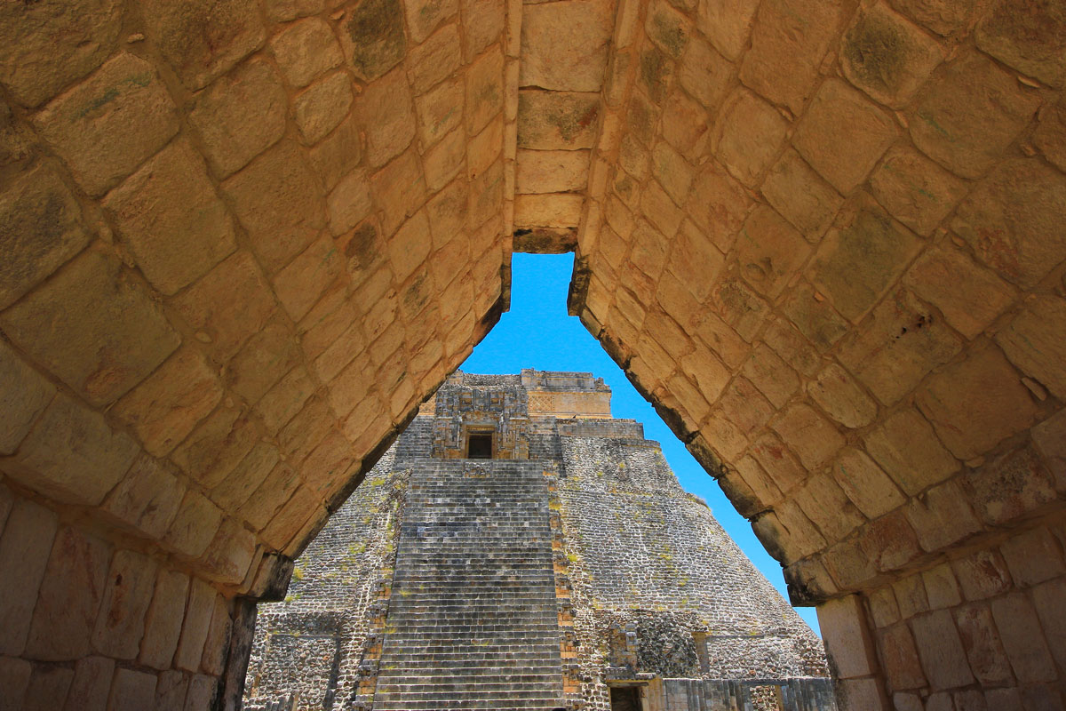 MEX_Tulum-Mayan-Ruin-©-AdobeStock_205297215.jpg