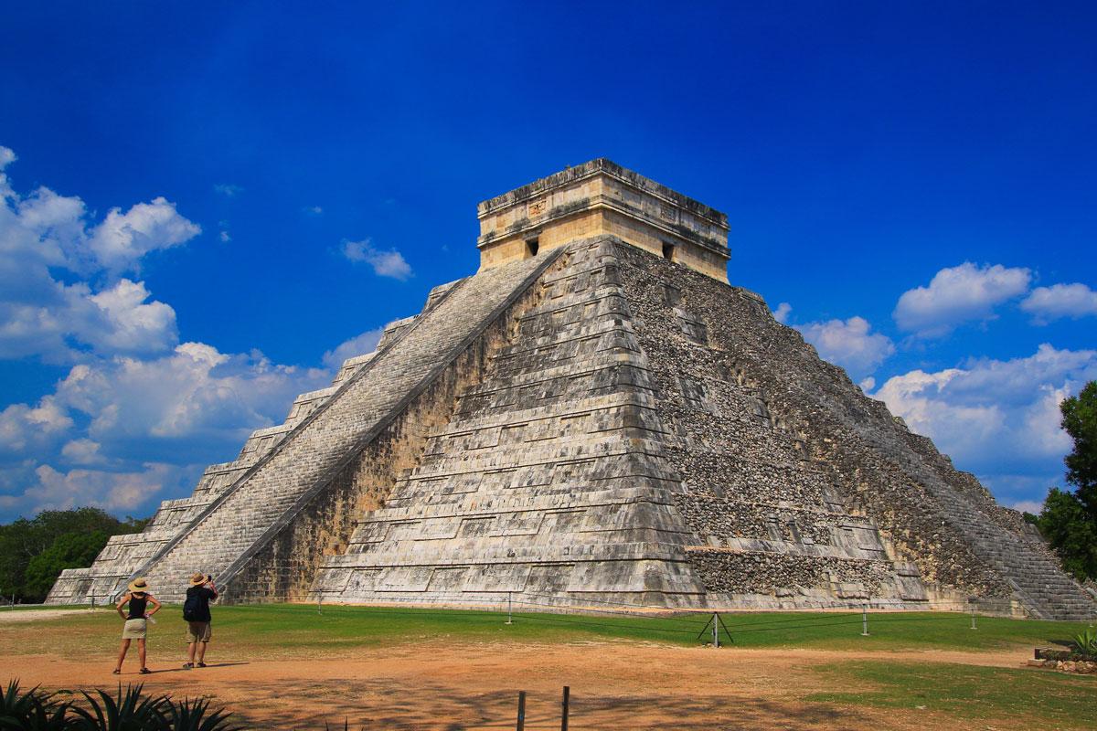 MEX-Tulum-Mayan-Ruins-©-AdobeStock_205298951.jpg