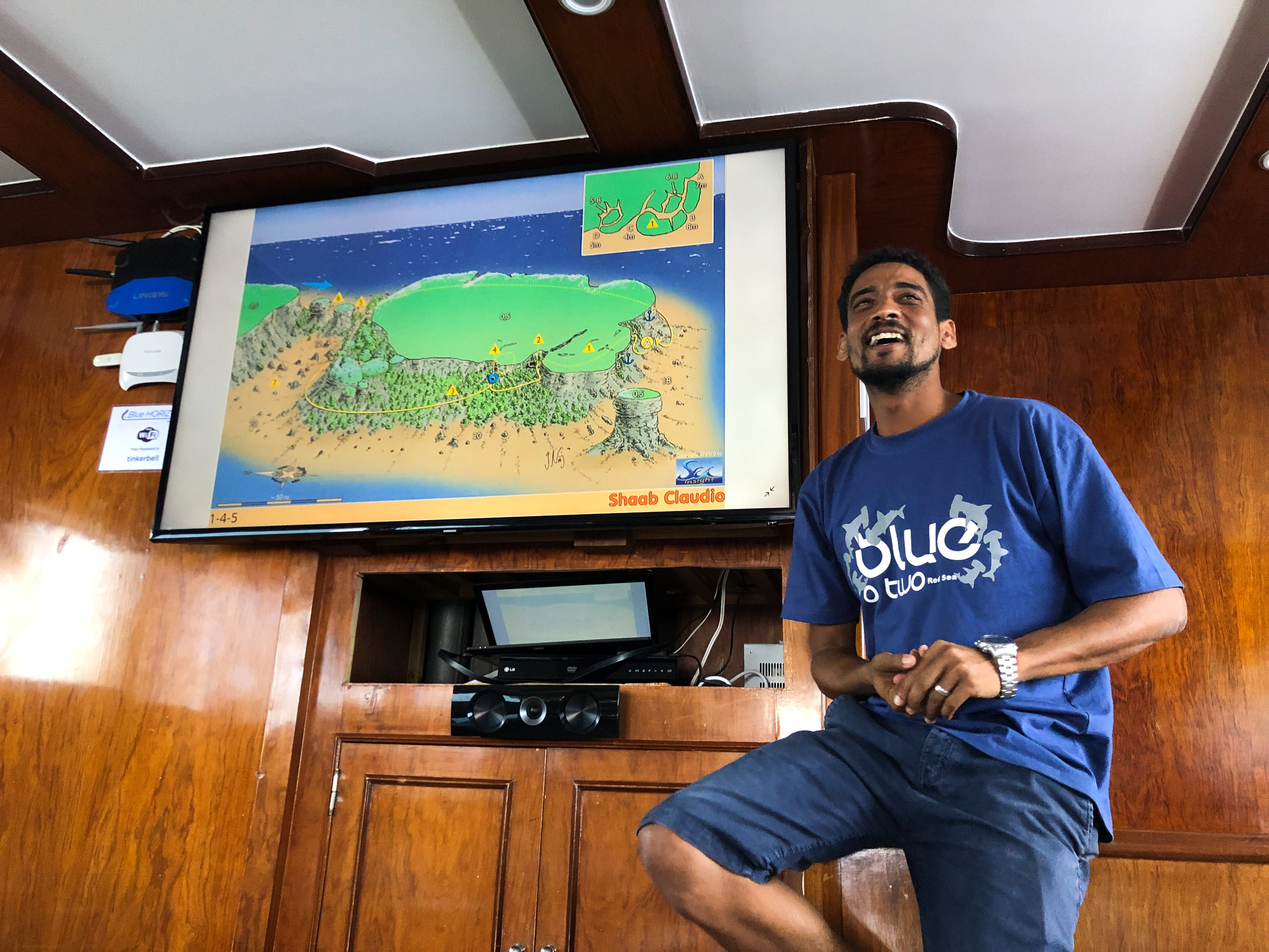 Dive briefing on board the MV Blue Horizon - Egypt - Wild Earth Expeditions