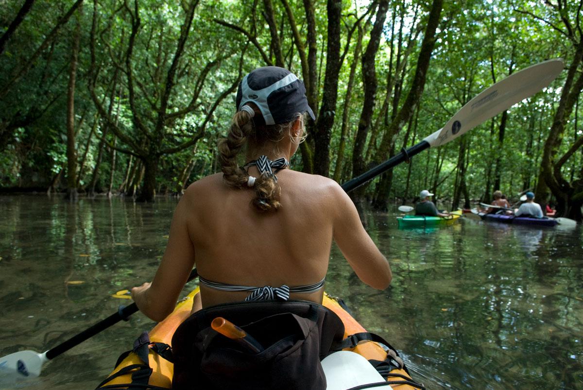 PLW_Long-lake-kayaking-©08-Thomas-Baechtold-0011.jpg