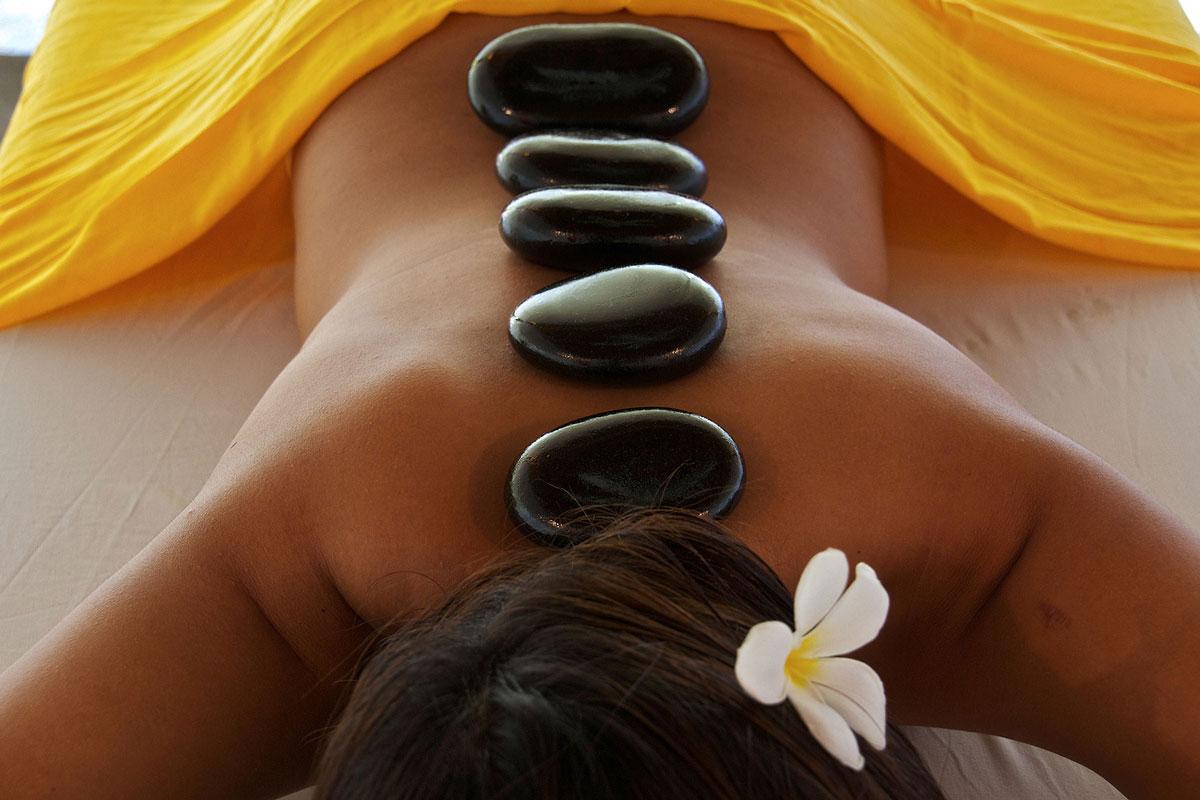 PHL_Atmosphere-Resort-_Hot-Stone-Massage-©-Atmosphere-Resort-009.jpg