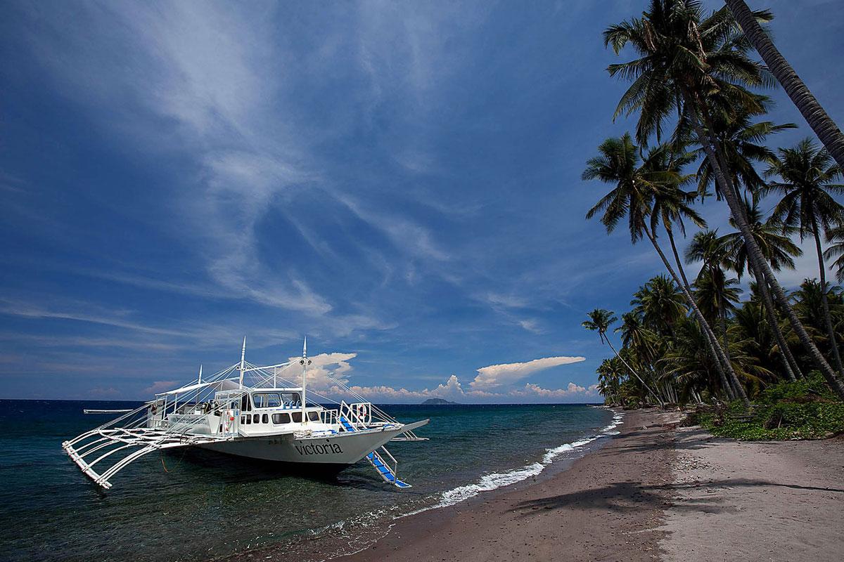 PHL_Atmosphere-Resort-Dive-Boat-Victoria-©-Atmosphere-Resort-006.jpg
