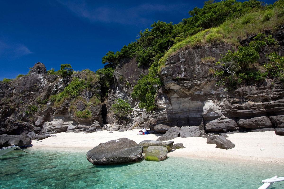 PHL_Dumaguete-Apo-Island-Beach-©-Atmosphere-Resort-001.jpg