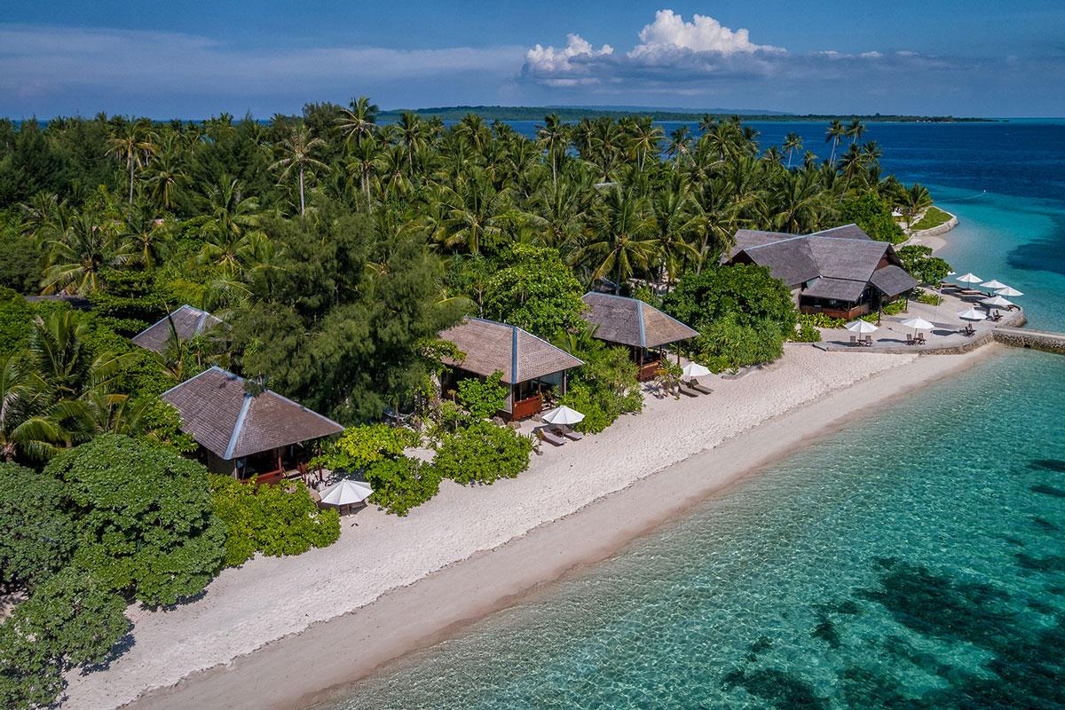 IDN_Wakatobi-Resort-Ocean-Bungalows-©-Wakatobi-Resort.jpg