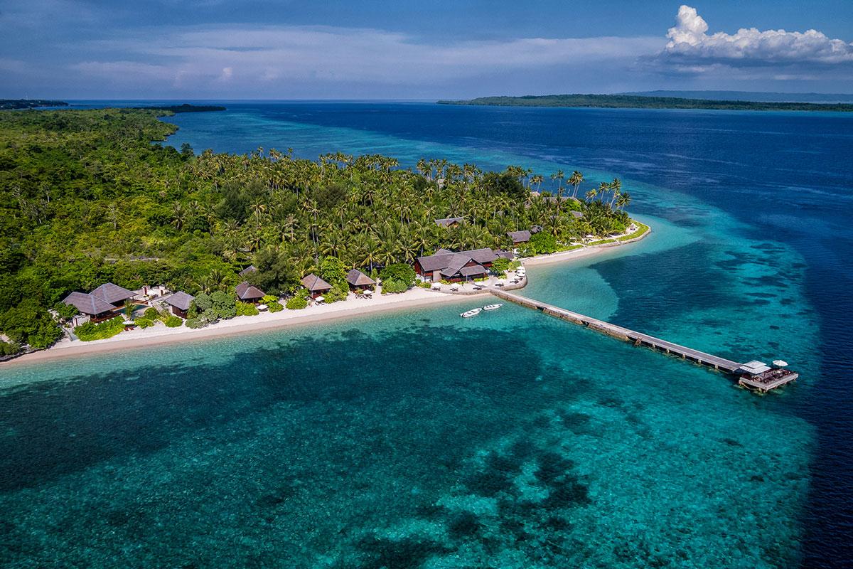 IDN_Wakatobi-Resort-Resort-and-Reef-Aerial-©-Wakatobi-Resort-WS001.jpg