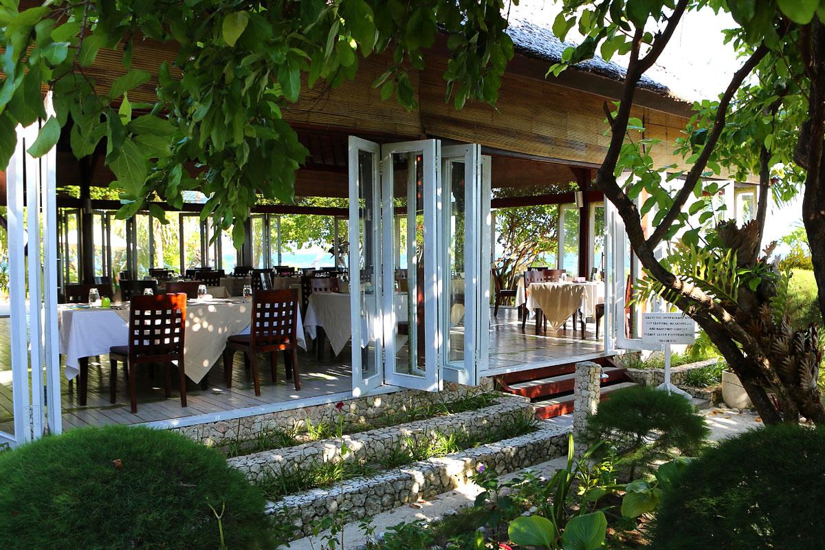 IDN_Wakatobi-Resort-Restaurant-©-Wakatobi-Resort-25.jpg