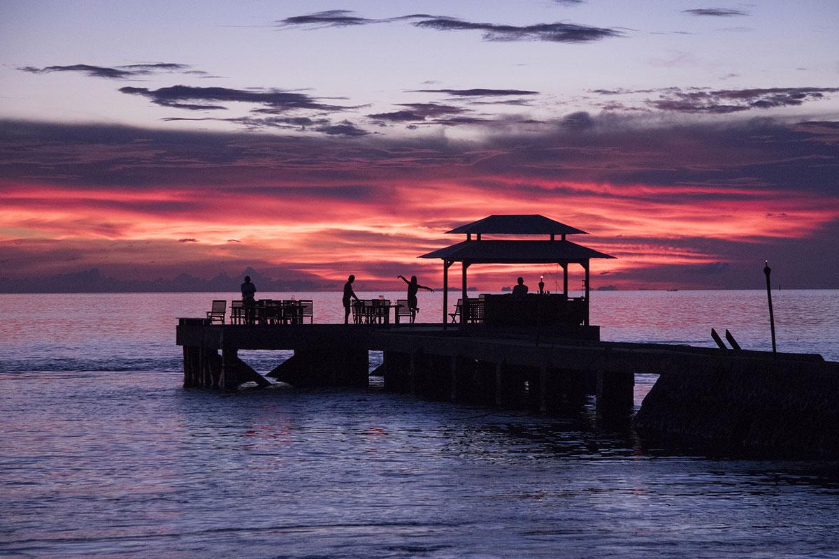 IDN_Wakatobi-Resort-Sunset-Jetty-Bar-©-Wakatobi-Resort-34.jpg