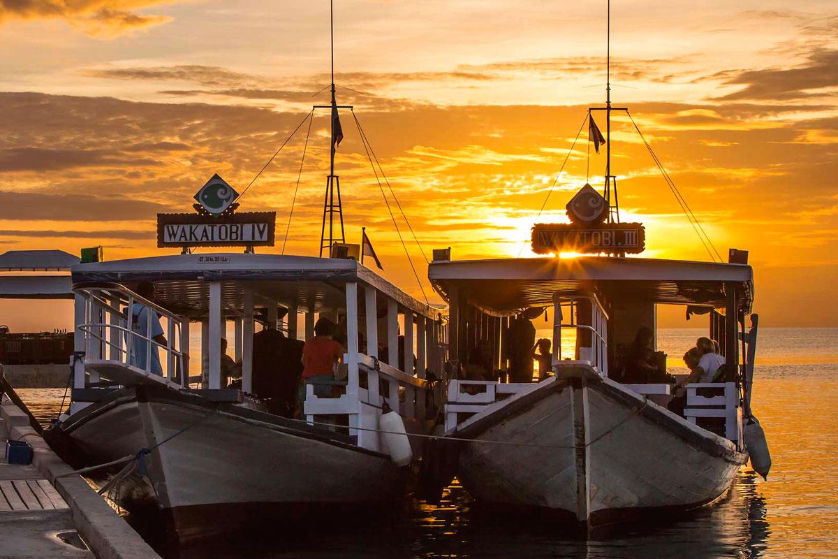 IDN_Wakatobi-Resort-Sunset-w-boats-©-Wakatobi-Resort-33b.jpg
