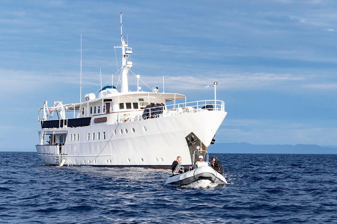 IDN_SY-Pelagian-Tender-Boats-©Wakatobi-Resort.jpg