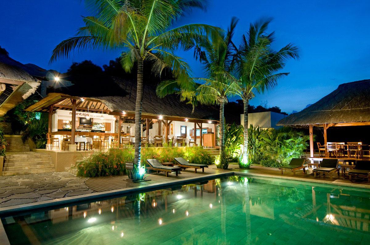 IDN_Batu-Karang-Resort-Main-Pool-©-Batu-Karang-Lembongan-Resort.jpg