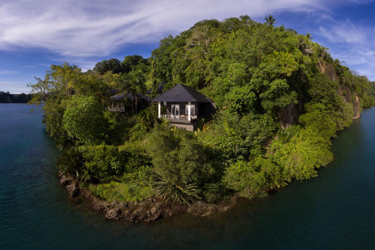 IDN_Lembeh-Resort-Luxury-Cottages-©-Lembeh-Resort-12.jpg
