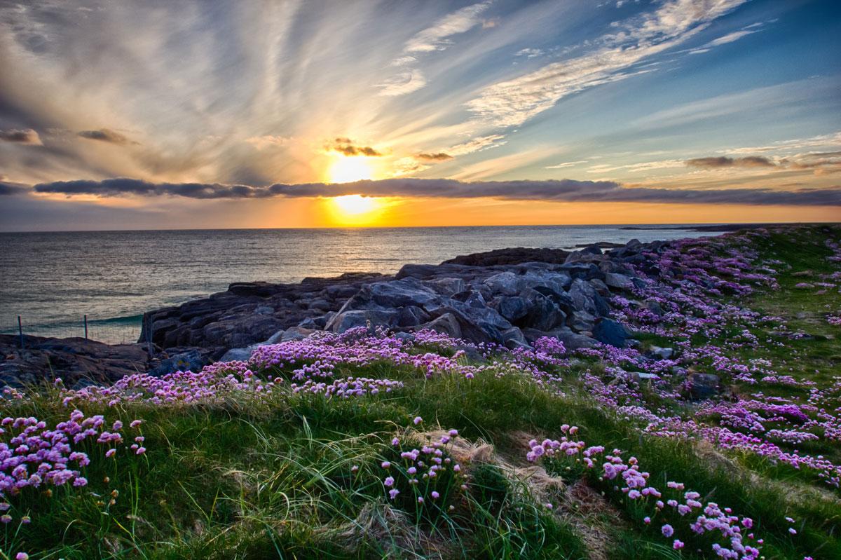 GBR_Scotland-Sunset-at-Tangasdale-©-AdobeStock_46907346.jpg