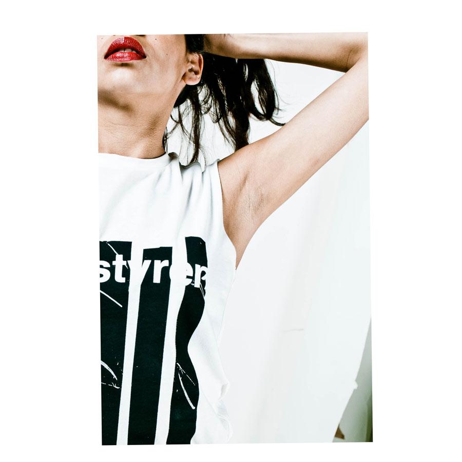 polystyren sleeveless t-shirt