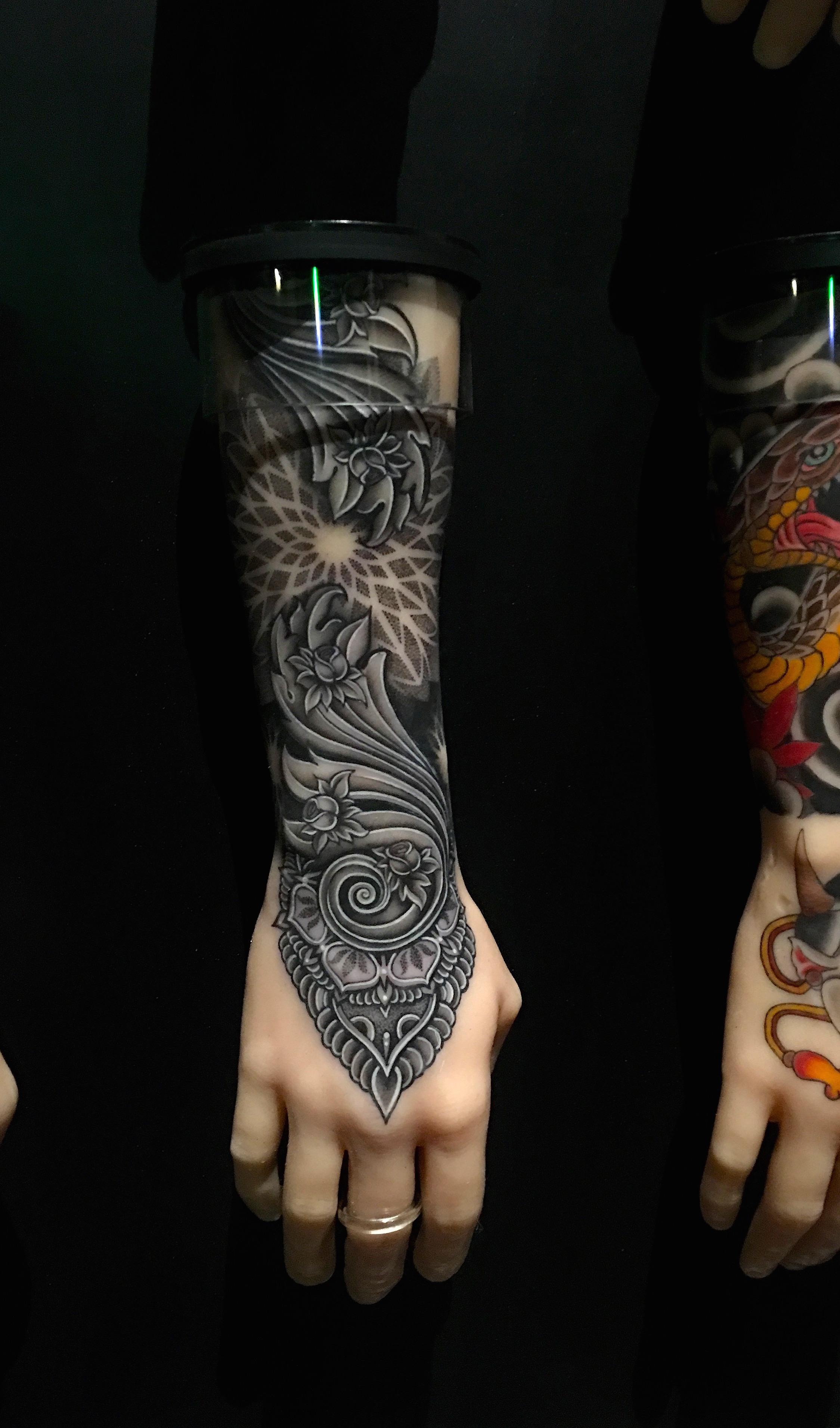 100 Hands Contrubution by  Matt Finch