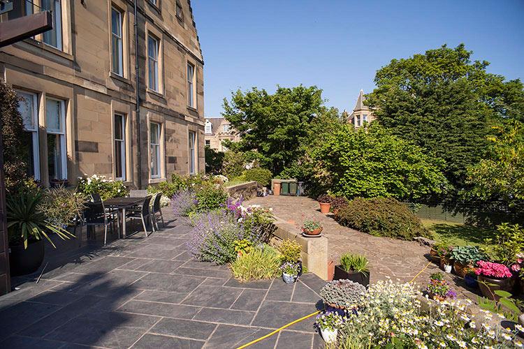 Bernie-reddington-garden-services-edinburgh-1.jpg