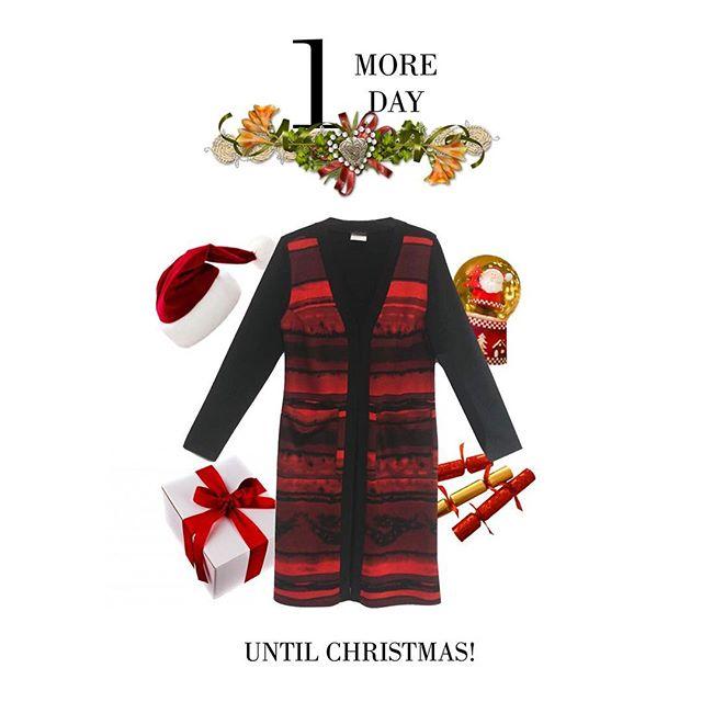 Happy Christmas Eve! • #fashion #christmaseve #holidays #style #ootd #canadian #red #joy #madeincanada