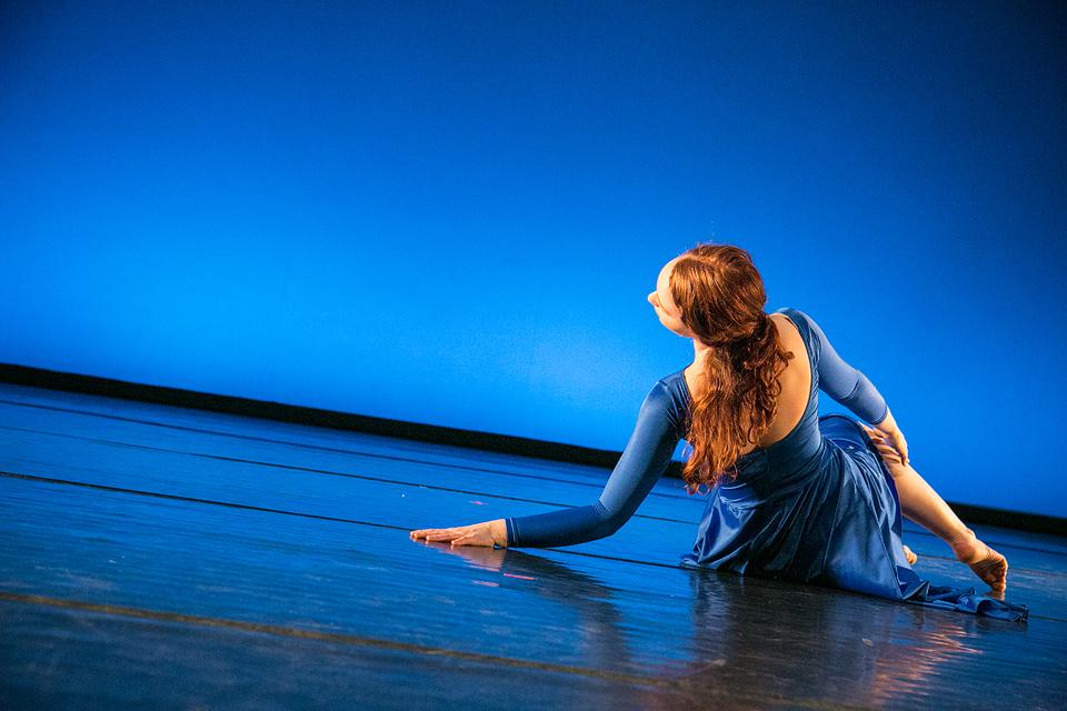 Chloe Hart   Bates Dance Festival Young Dancers Workshop  École de Danse Contemporaine de Montréal  (photo: Kate Hayter)