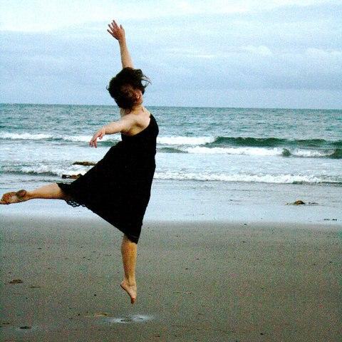 Sarah Douglas   York University – Dance Program  Independent Dancer/ Choreographer