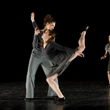 Melanie Ferro   Royal Winnipeg Ballet of Canada School – Summer Program  Alberta Ballet – Summer Program  North Carolina School of Performing Arts – BFA – USA  David Parsons  Danny Grossman  Canadian Children's Dance Theatre  Mocean Dance  (photo: Holly Crooks)