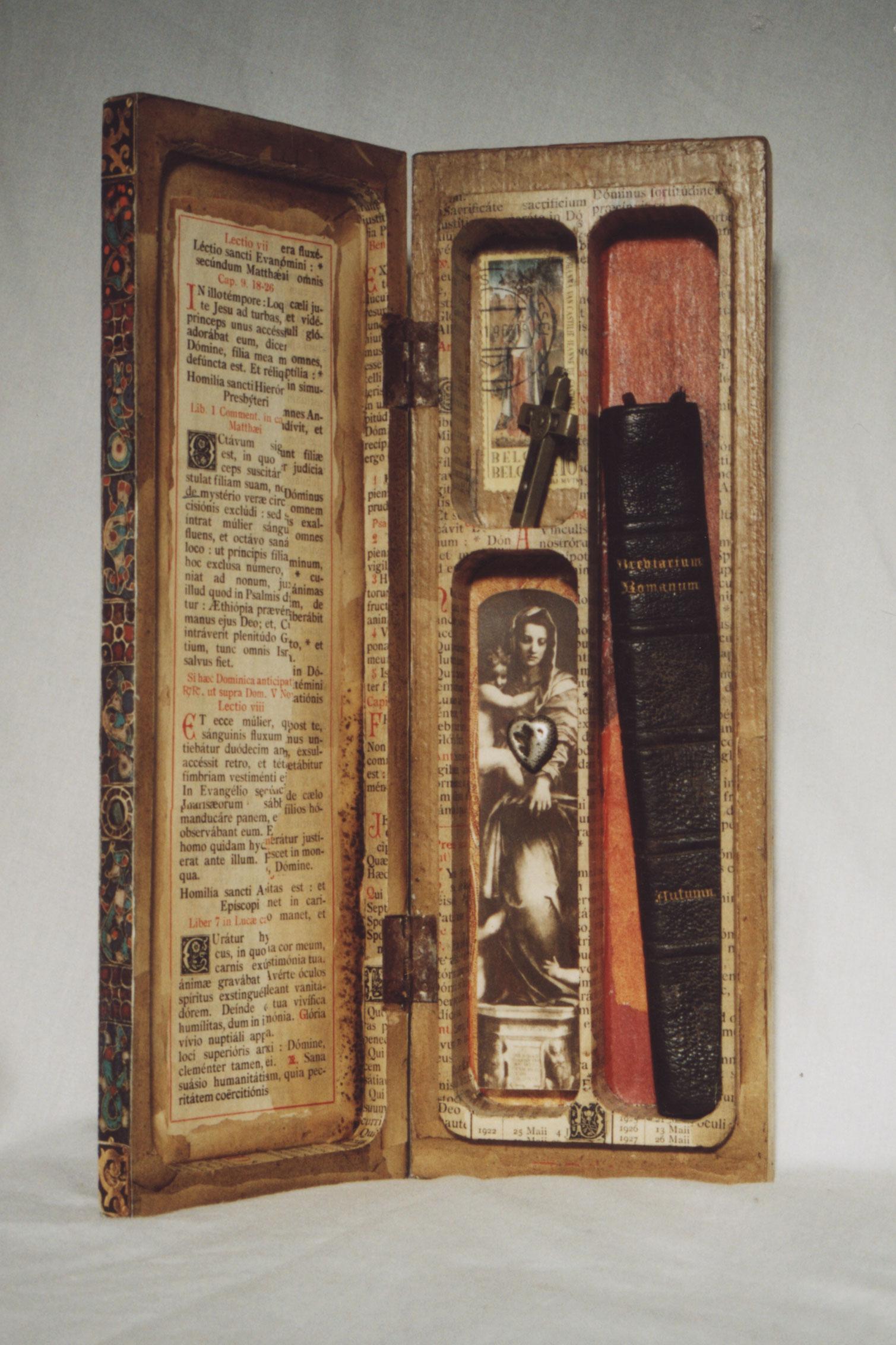 DE LAATSTE KATHOLIEKEN EEN ANTWERPEN / THE LAST CATHOLICS IN ANTWERP 9″ x 3″ x 1.25″