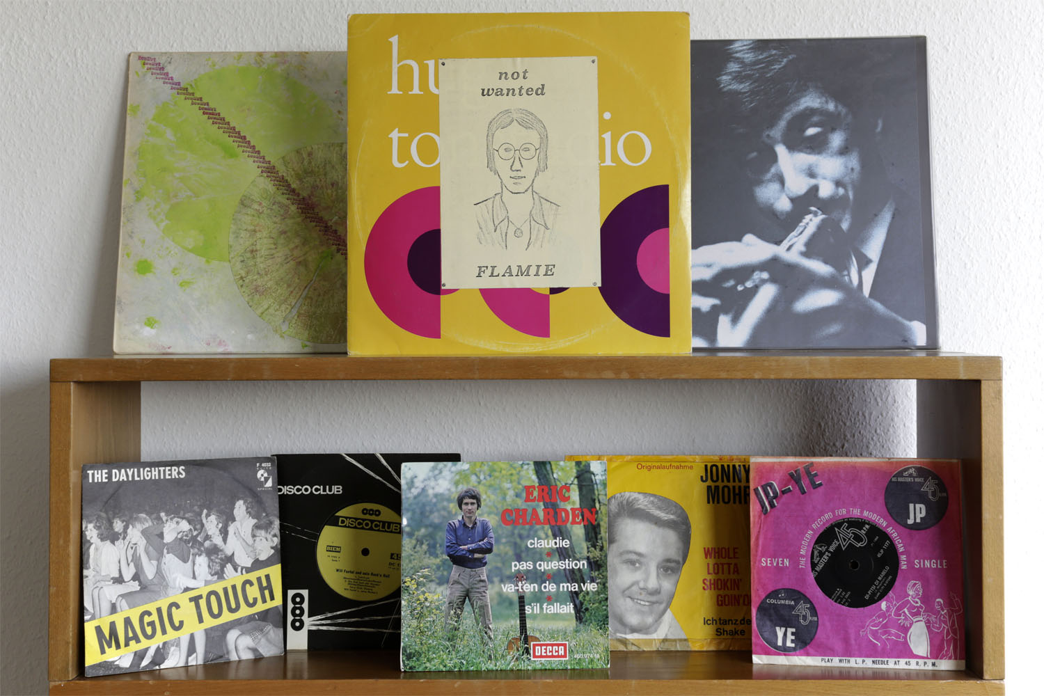 "°Franz Koglmann/Bill Dixon  ""Opium for Franz""  Pipe Records PR 152 °Flamie  ""Not Wanted""  Private Press, Hug °Odeon Hot Heads  ""Margie/There'll come a day""  Private Press, Shellac °The Daylighters  ""Magic Touch""  Elite Special F4032 °Will Fantel  ""Will Fantel und sein Rock'n Roll""  Disco Club DC 1709 °Eric Charden  ""Claudie""  EP Decca 460.974 °Jonny Mohr  ""Whole lotta Shokin' goin'on""  Layola L 17-210 °Dark City Sisters  ""Segompieno""  His master's voice 45JP 1177"