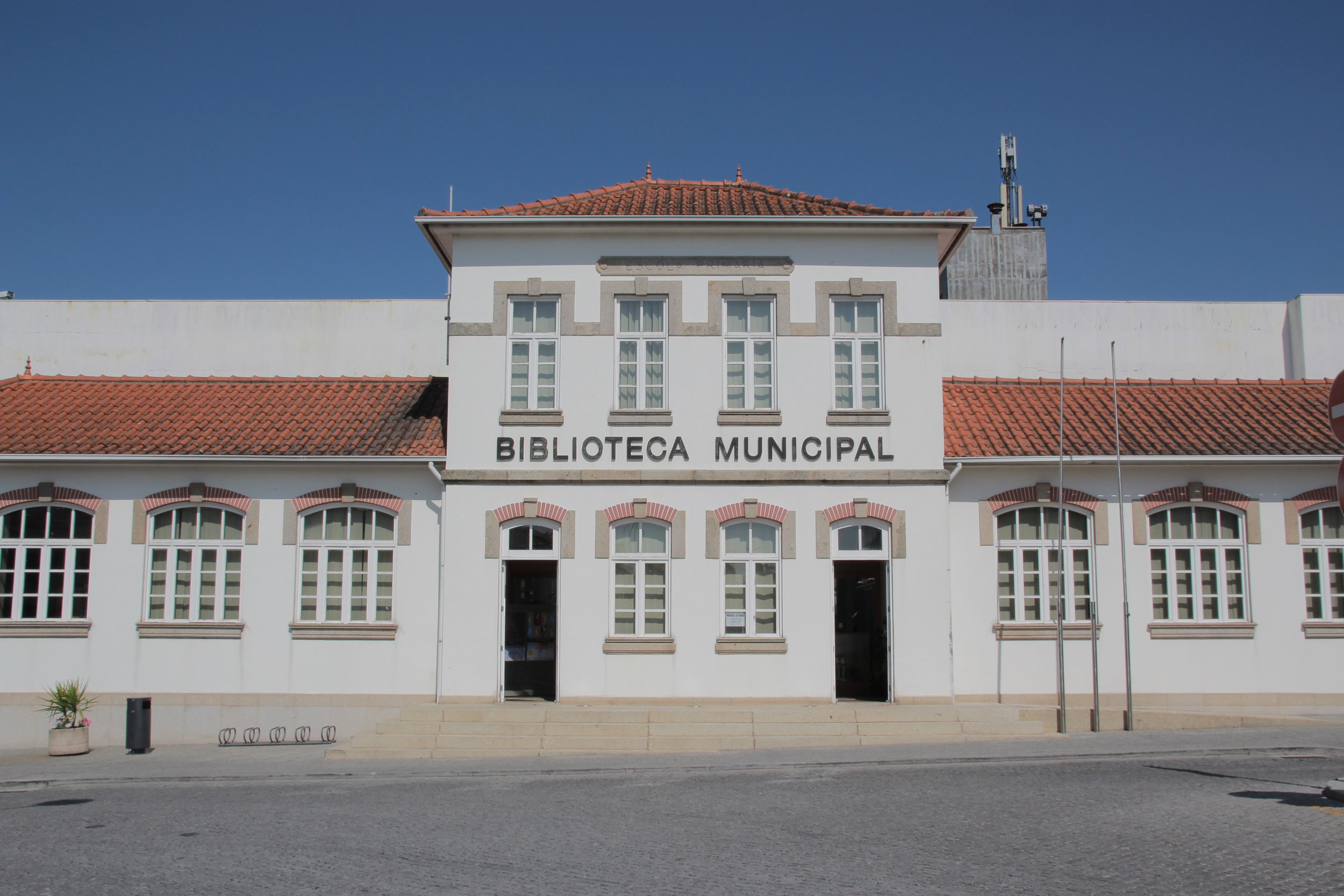 Biblioteca Municipal - Lousada.jpg
