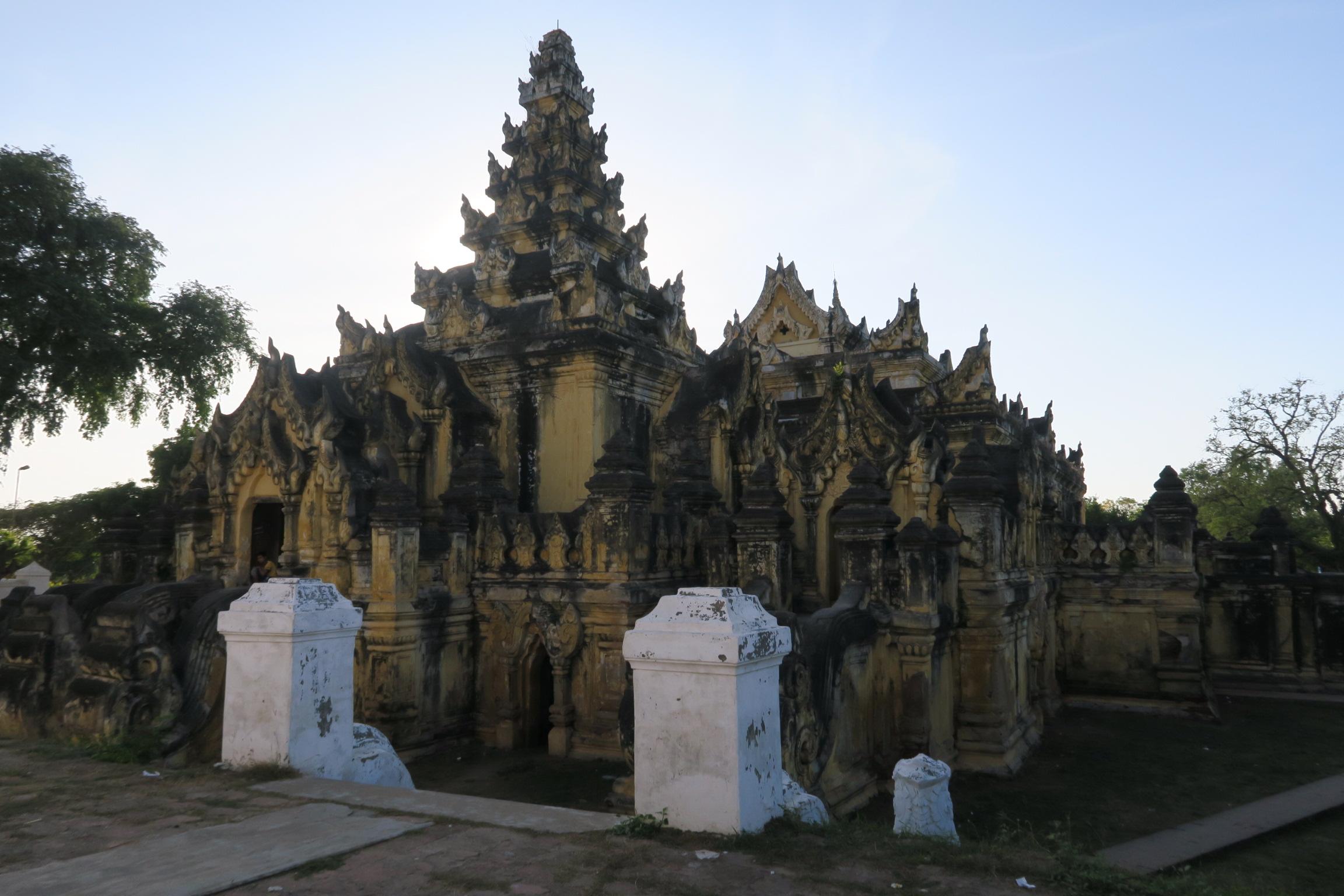 Yadana Hsemee Pagodas
