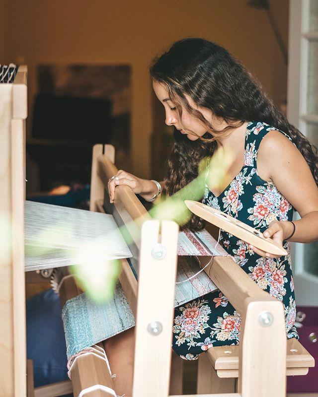 Back at it ✨ 📸: @morfinations_planet ... . . . . . #weaversofinstagram #weaving #handweaving #handmade #handmadestyle #slowdesign #slowfashion #weave #handweaver #loom #newdesigner #textiledesign #greekdesigner #madewell #madewithlove