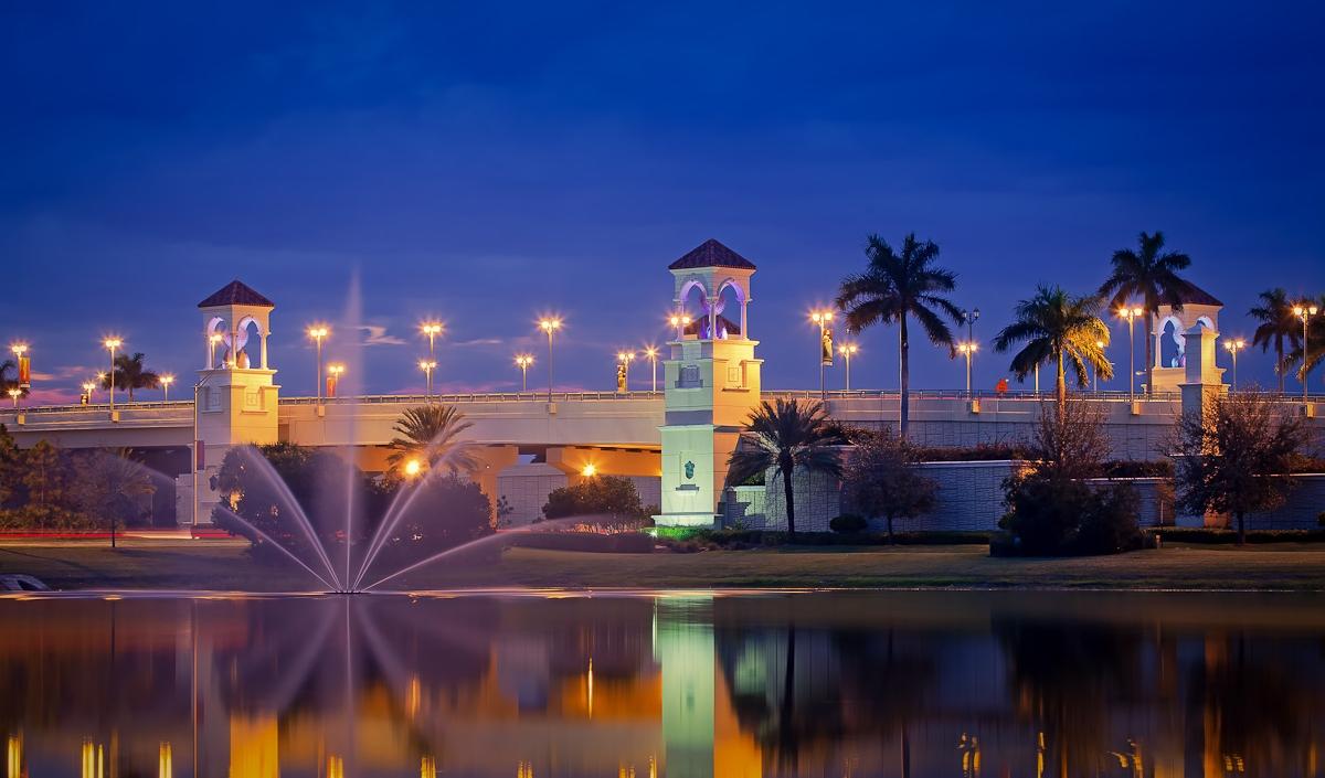 Fountain-at-PGA-Boulevard-Bridge-in-Palm-Beach-Gardens.jpg