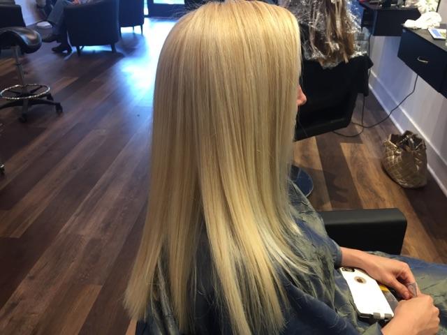 Full head blond highhlights & haircut