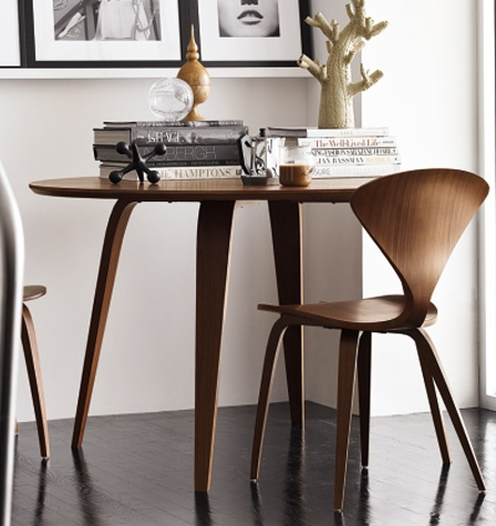 side chairs w round dining table.jpg