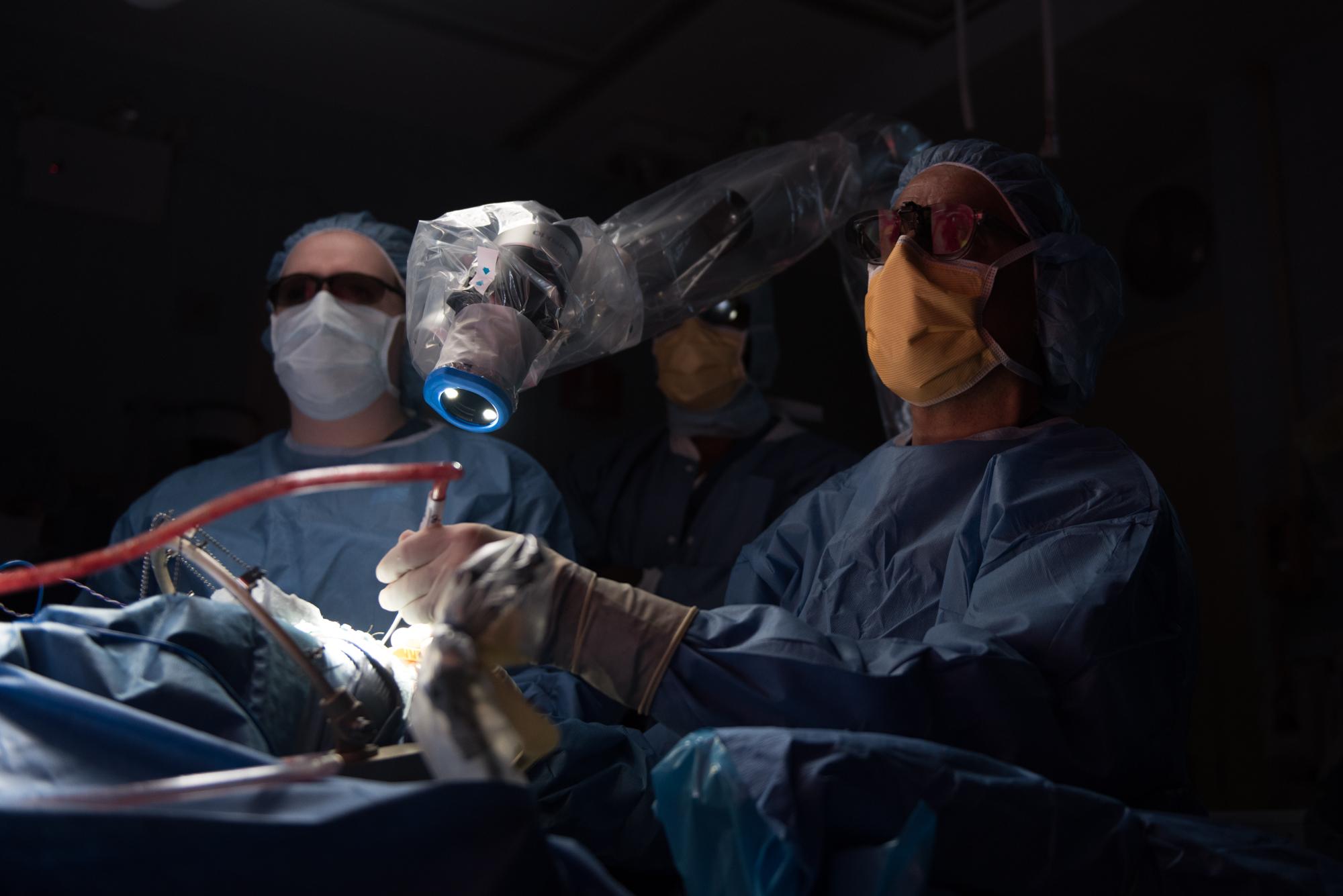3D_Brain_Surgery_11.jpg