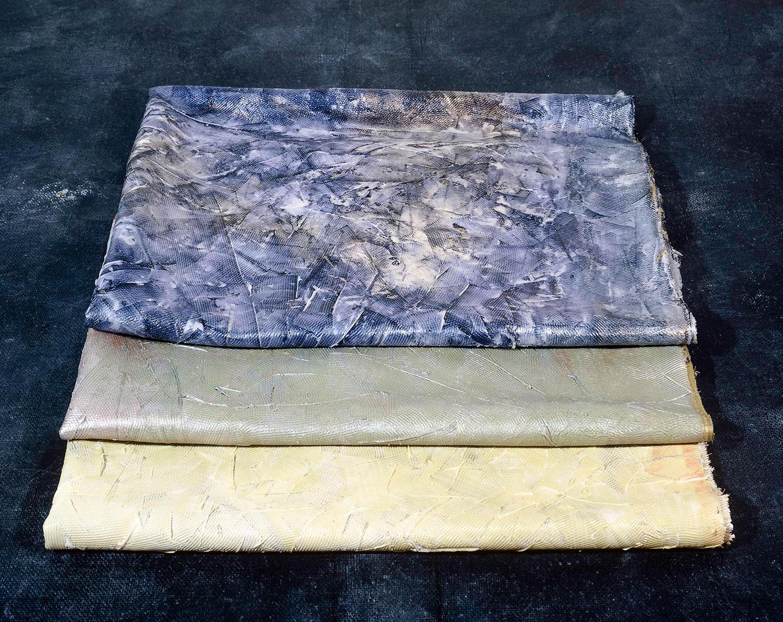 _0001---PELLI-piegate,-tre-esemplari-1987-silicone-iridescente-100x180cm.jpg