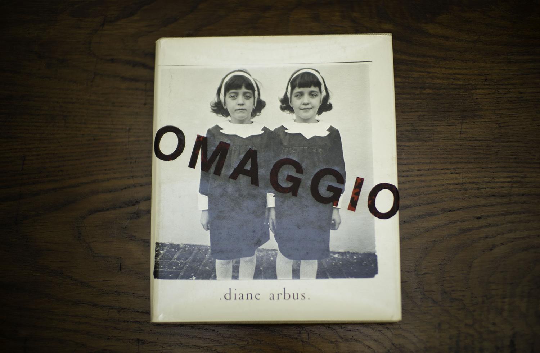 0001-OMAGGIO A: TRIBUTE TO DIANE ARBUS, 1974 (libro) inchiostro su carta 30x25cm.jpg