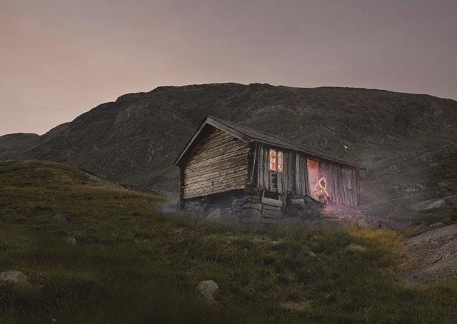 New work from Momentum artist based in Asker Norway Ole Marius Joergensen @momentum_fine_art @affordableartfairsthlm @olemariusphotography